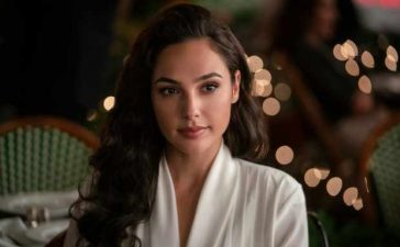 Surprise – Wonder Woman 1984 is a stealth Christmas movie