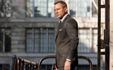 What James Bond movies are on TV this Christmas?