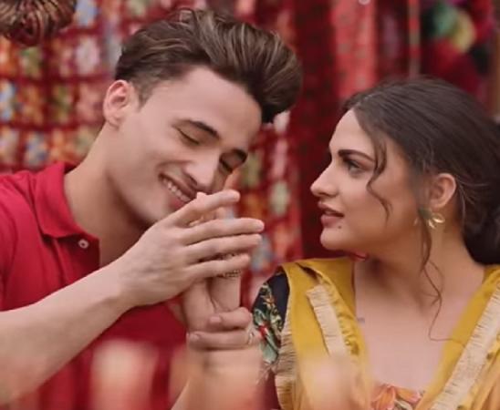 Khayal Rakheya Kar video song goes viral: Himanshi Khurana, Asim Riyaz storms internet with their romance – See Latest | Khatrimaza